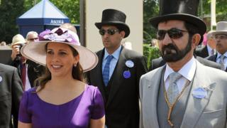 La princesse Haya Bint al-Hussein photographiée lors d'une course de cheveaux en Angleterre. Une passion qu'elle partage avec l'émir.
