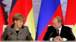 Меркель і Путін, фото 2012 року