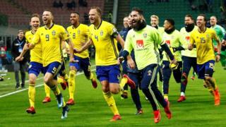 Suecia celebrando su victoria.