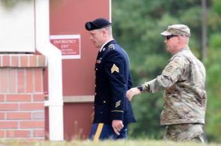 Bergdahl arrives at the courthouse on Monday