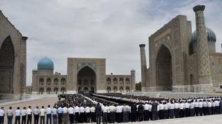 Səmərqənd: Registan meydanı