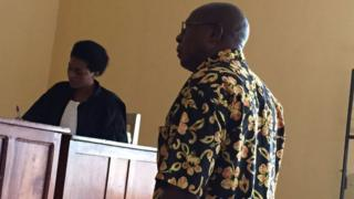 Leopord Munyakazi asaba umuburanira urihwa na Leta