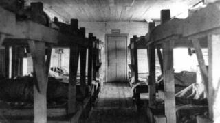 Барак для заключенных в одном из лагерей Пермского края (1943 г.)