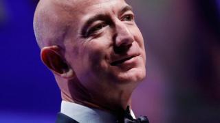 可以这么说,首位万亿富豪很可能是亚马逊公司的创始人贝索斯