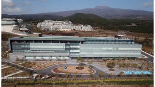 전국 첫 영리병원 제한부 허가를 받은 제주 녹지국제병원