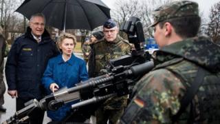 وزیر دفاع آلمان