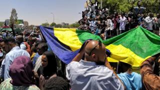 Abari mu myiyerekano i Khartoum itariki 07/04/2019