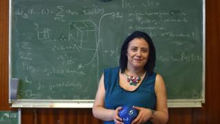 Houria Lafrance, l'enseignante qui théâtralise les mathématiques.