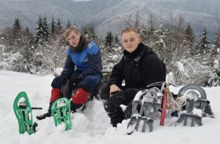 Сергей (справа) с товарищем хотели пройти по карпатским хребтам Мармаросы и Черногора