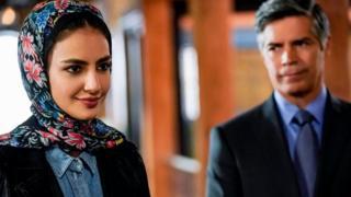 """يقدم صنّاع مسلسل """"إن سي آي إس"""" شخصية سيدة ترتدي الحجاب، لكنهم يحرصون على عدم جعل الدين النقطة المحورية لدور هذه الشخصية في العمل"""