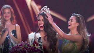 كاتريونا غراي تفوز بلقب ملكة جمال الكون 2018