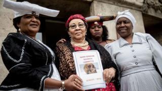 أعضاء وفد نامبيا امام محكمة العدل