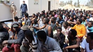 Des migrants interceptés et débarqués à Misrata en Libye, en 2015. (Illustration)