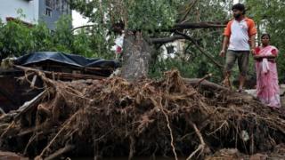 Amphan: las imágenes del devastador superciclón que provocó más de 80 muertos en Bangladesh e India - BBC News Mundo