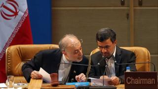 محمود احمدینژاد و علیاکبر صالحی
