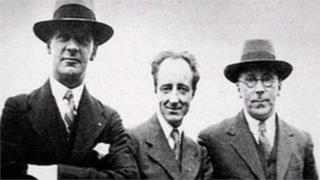 Lewis Valentine, Saunders Lewis a DJ Williams