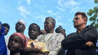 Nigeria's richest man, the businessman Aliko Dangote, along with the Irish rock star Bono visited camps where some of the 2.5 million displaced by the fighting are now sheltering on 28 August 2016