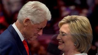 El matrimonio Clinton ha tenido una controvertida relación con México.