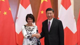 """2017年5月13日,习近平会见到中国出席""""一带一路""""国际合作高峰论坛的瑞士联邦主席洛伊特哈德。"""
