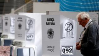 Homem vota