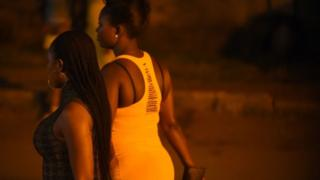 Sex workers dey waka for street for Benin, Edo state for Nigeria