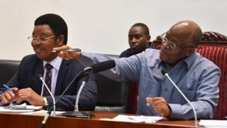 Rais Magufuli na Wairi Mkuu Kassim Majaliwa