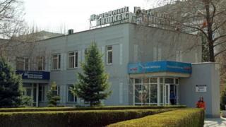 """""""Вечерний Бишкек"""" көп жылдардан бери сот чечими менен колдон колго өтүп келаткан эң кирешелүү медиа холдинг"""