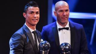 Cristiano Ronaldo ve Real Madrid'in çalıştırıcısı Zinedine Zidane