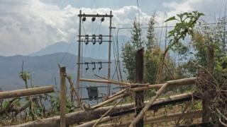 बिजली के खंभे