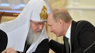 Патриарх принимает участие в предвыборной кампании Путина - СМИ