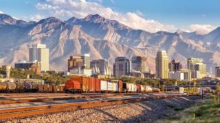 Brigham Young thành lập Thành phố Salt Lake ở Utah.