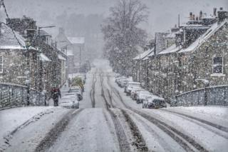Please find below a couple of snowy shots from Langholm, Dumfries and Galloway this afternoon.