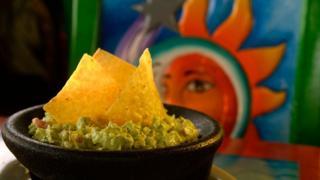 Un plato de guacamole