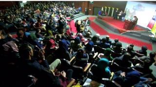 افغانستان کې د سینما صنعت غوړېدو لپاره هڅې ډېرې شوې، چې د فلمونو نندارې او فېسټوالونه د دغو هڅو برخه ده.