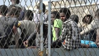 国連によるとシリア、アフガニスタン、ソマリアからの難民が多数を占めている