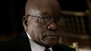 Prezida Zuma ahanzwe n'abo mu mugambwe wiwe