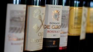 زجاجات نبيذ فرنسي