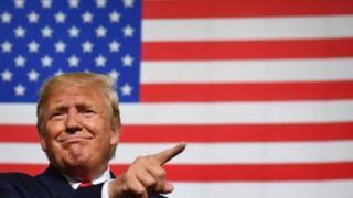 ترامپ با سیاست های اقتصادی بانک مرکزی آمریکا که مستقل از دولت عمل می کند، مخالف است