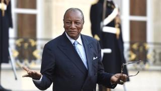 Deux anciens ministres, limogés il y a quelques mois, reviennent aux affaires et un ministre, apprécié des Guinéens, quitte le gouvernement.