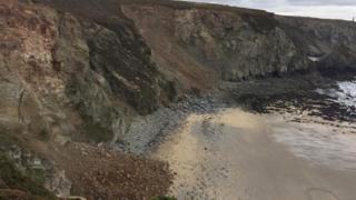 Rock fall at Lushington Cove
