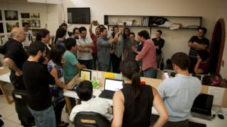 Los periodistas de El Faro el día que se anunció que habían recibido el Premio Gabriel García Márquez a la Excelencia Periodística, en 2016.
