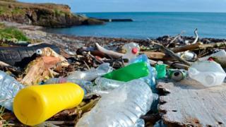 السعودية: حملة لتنظيف البحر الأحمر