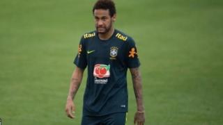 Neymar katika uanja wa mamzoezi
