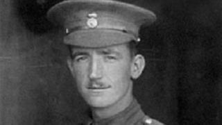 Yr Uwch-gapten Frederick Barter