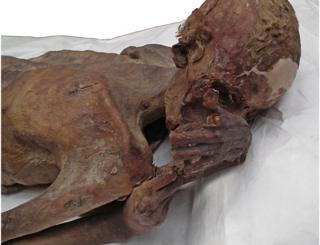 múmia masculina