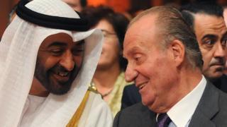Juan Carlos I y el gobiernante de Abu Dabi, , Mohamed bin Zayed al Nahyan, en 2011.