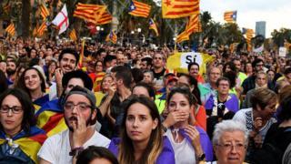 Manifestantes por la independencia catalana.