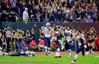Los New England Patriots celebrando el triunfo en el Super Bowl.