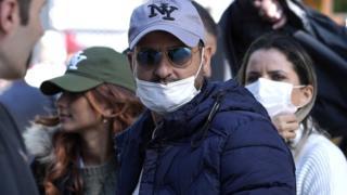 《肺炎疫情:特朗普冀复活节美国恢复正常》
