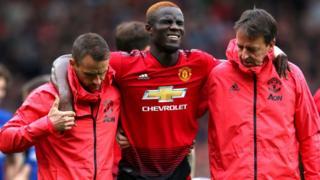 Eric Bailly s'est blessé lors du match de Premier League entre Manchester United et Chelsea FC, dimanche 28 avril.